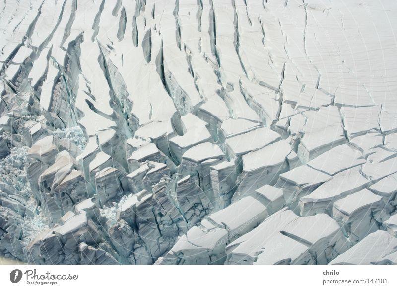 Gletscher weiß Winter kalt Schnee Berge u. Gebirge Bewegung Eis Frost Luftaufnahme Riss Furche brechen Gletscherspalte Felsspalten schmelzen