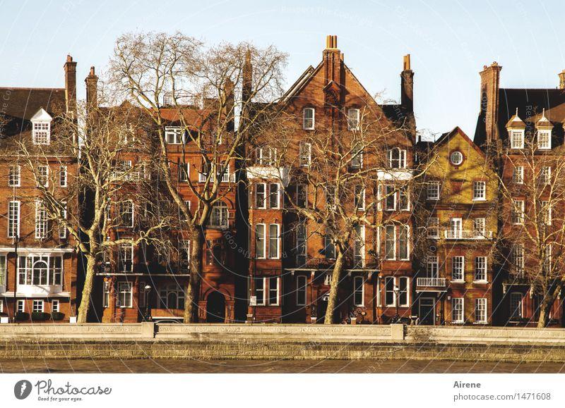 Rotstich London Stadt Stadtzentrum Haus Fassade Backstein Häusliches Leben rot Ziegelbauweise ziegelrot Farbfoto Außenaufnahme Textfreiraum oben