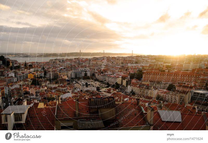 Lissabon I Ferien & Urlaub & Reisen Tourismus Ausflug Abenteuer Ferne Freiheit Sightseeing Städtereise Sommer Sonne Wolken Horizont Sonnenaufgang