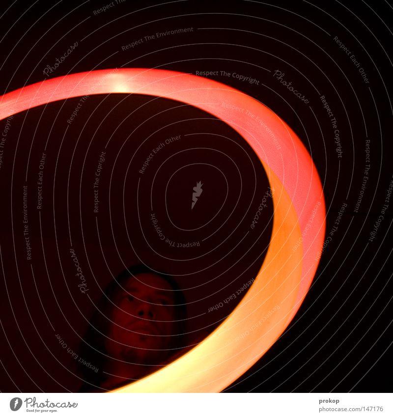 Ride the spiral Licht Lampe Spiegel Bad Reflexion & Spiegelung Selbstportrait Mann Mensch Kopf Gesicht Haare & Frisuren rot Kreis Ring rund Blick