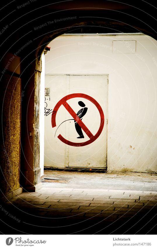 da nicht! ruhig Erholung Stein Denken Graffiti Schilder & Markierungen leer Ziel Dinge Tor Eingang Verbote Garage Hinterhof urinieren üben