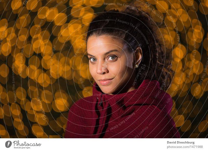 Ana Maria feminin Junge Frau Jugendliche Kopf Gesicht 1 Mensch 18-30 Jahre Erwachsene langhaarig Locken Zopf Zufriedenheit Optimismus Willensstärke