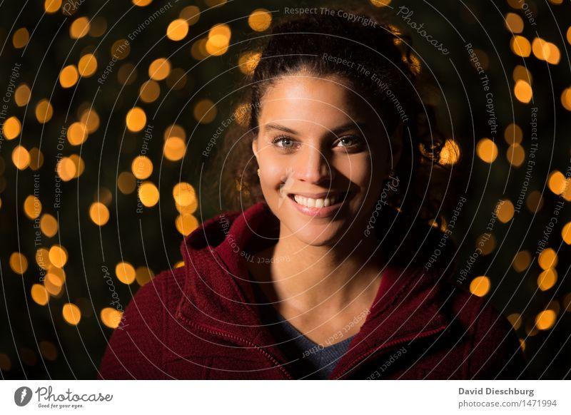 Erwartungsvoll feminin Junge Frau Jugendliche Leben Kopf Gesicht Auge Nase Mund Lippen Zähne 18-30 Jahre Erwachsene Glück Fröhlichkeit Zufriedenheit