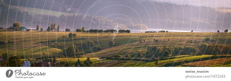 Natur Ferien & Urlaub & Reisen blau grün Baum Landschaft Haus Wald Berge u. Gebirge gelb Herbst Wiese Gebäude See Sträucher Hügel