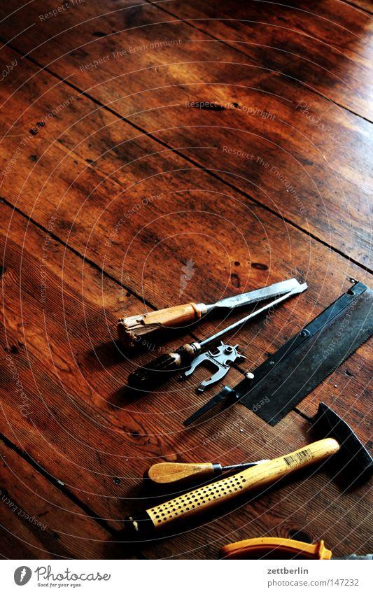 Werkzeug Hammer Zange Schraube Schraubendreher Schere Säge Holz Kunstwerk Dinge Flur Holzfußboden Bodenbelag Werkstatt Reparatur Heimwerker Bastler Basteln