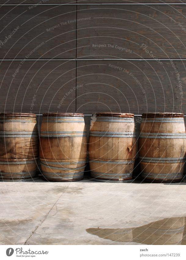 macht Kopfschmerzen Wein 4 Handwerk Lager Alkohol Hauskatze Lagerhalle Weinlese Fass Weingut Weinfass Weinpresse