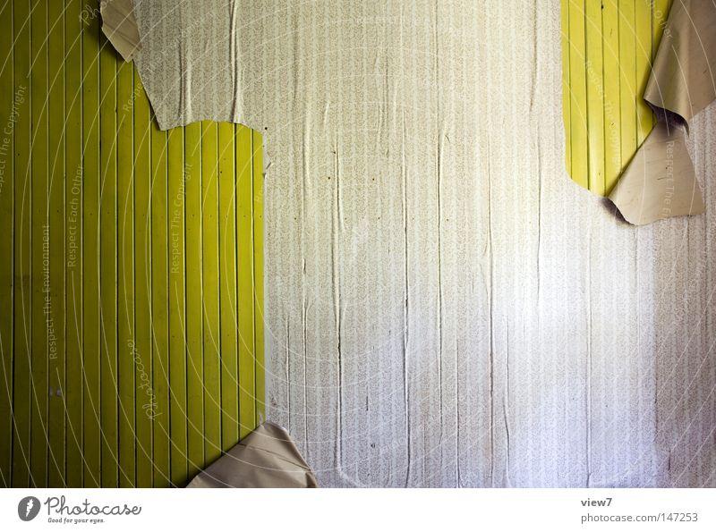Auszug. Örtlichkeit Raum Wand Bodenbelag Decke Eingang Ausgang Tapete Schimmelpilze Fleck gefleckt scheckig gebraucht gebrauchen verwendet
