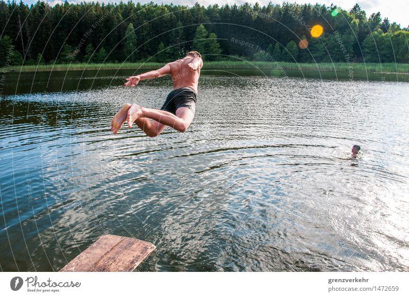 Bauchklatscher Mensch Ferien & Urlaub & Reisen Jugendliche nackt Sommer Sonne Freude Junge Freiheit Schwimmen & Baden fliegen See Freundschaft springen