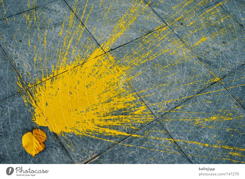 BLN08_oktoberfest Blatt Farbe gelb Herbst Graffiti grau Wege & Pfade Farbstoff Kunst Schilder & Markierungen Eimer Bürgersteig Jahreszeiten Dynamik Fleck
