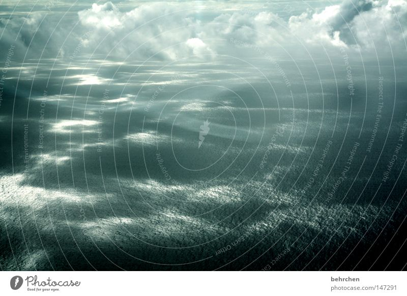 zwischenwelt Außenaufnahme Vogelperspektive Glück schön Ferien & Urlaub & Reisen Ferne Freiheit Meer Insel Wellen Luftverkehr Wasser Himmel Wolken Flugzeug