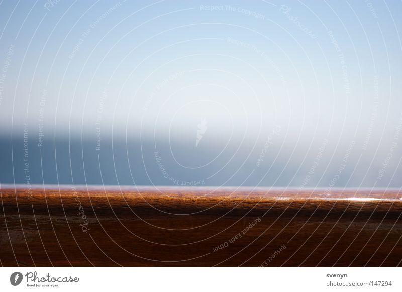 Auf hoher See Meer Sommer Freude Freiheit Holz Wasserfahrzeug glänzend Horizont fahren Schifffahrt Geländer Fähre Reling Überfahrt