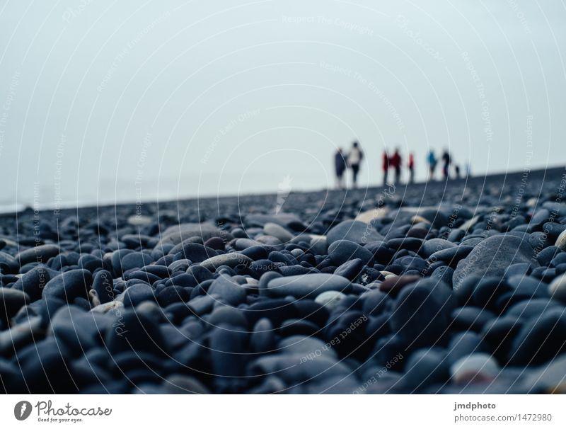 Unscharfe Menschen Ferien & Urlaub & Reisen Tourismus Ausflug Ferne Strand Menschengruppe Natur Küste Bucht Erholung Abenteuer Kieselstrand Kieselsteine