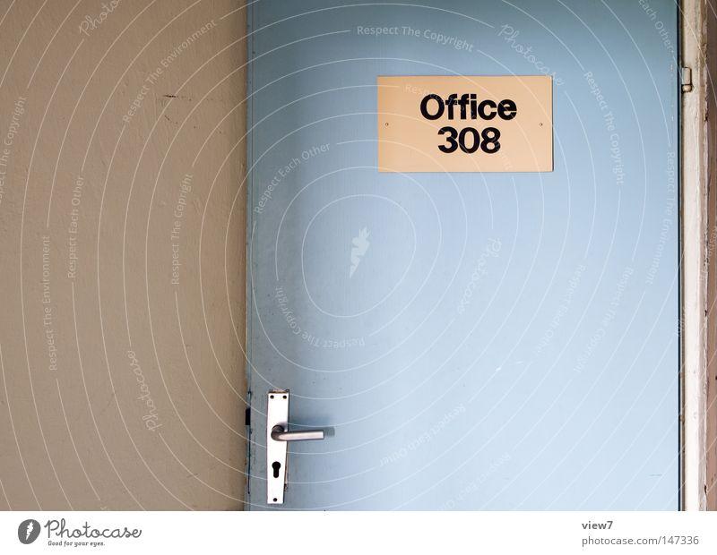 Office. alt Einsamkeit ruhig Wand Holz Freiheit Büro Raum Tür offen gehen Glas Angst Schilder & Markierungen frei leer