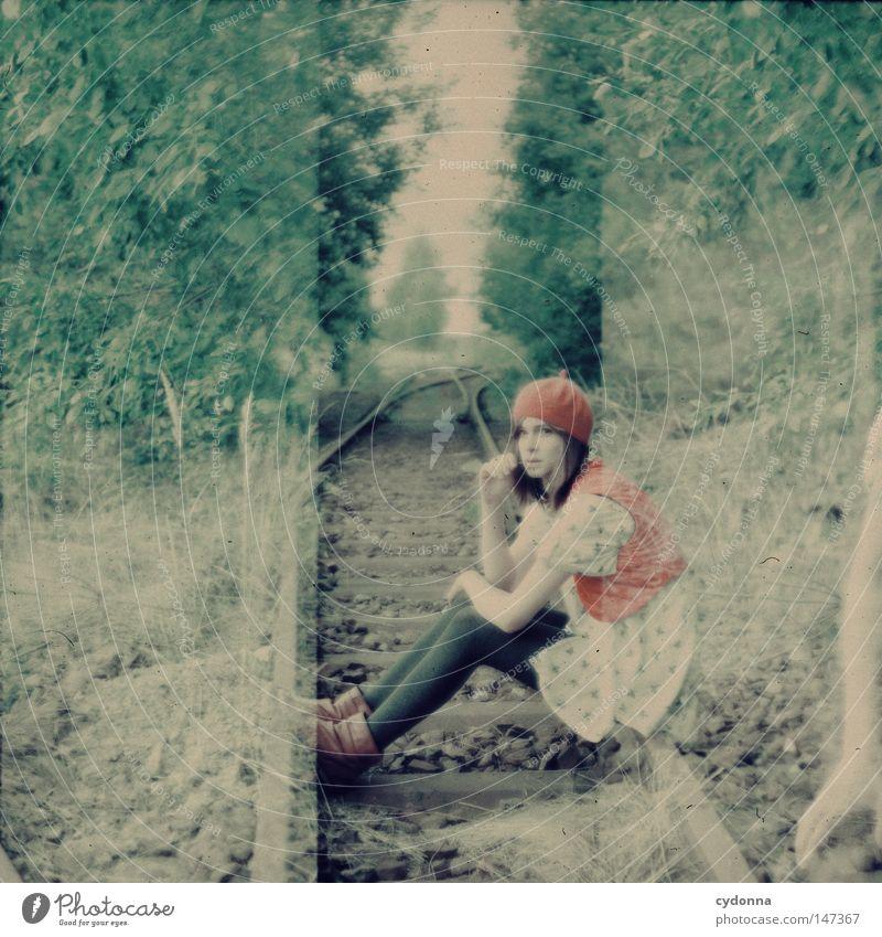 Pause Frau Mensch Baum schön Einsamkeit Ferne Wiese Leben Gefühle Gras Stil Stimmung Horizont Zeit sitzen ästhetisch