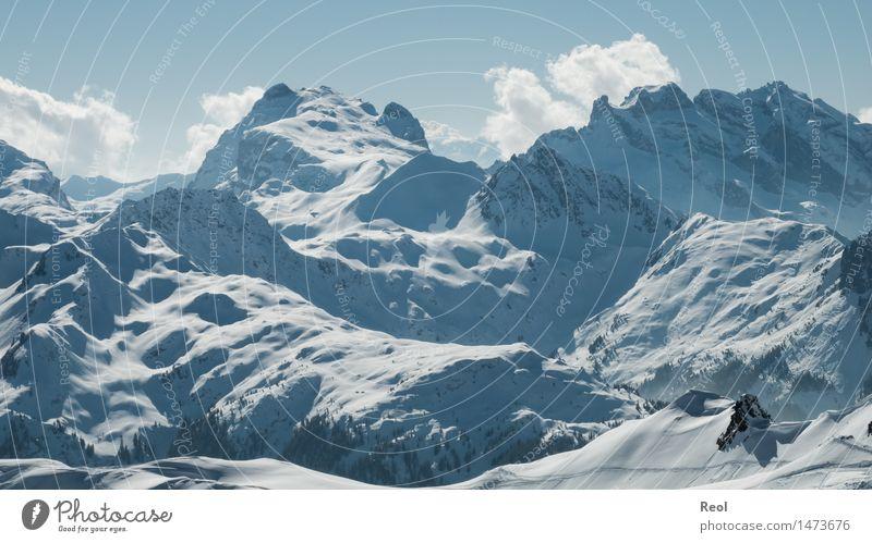 Schneelandschaft Himmel Natur blau weiß Landschaft Wolken Winter Berge u. Gebirge Schnee Felsen wild Schönes Wetter Urelemente Gipfel Alpen Schneebedeckte Gipfel