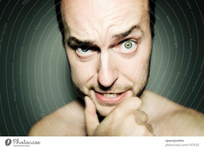 Und nun? Mann Porträt skeptisch Erwartung Mensch Gesicht Ärger böse heimtückisch Aggression Freak Wut Rüpel unfair Biest herzlos Grobian Freude