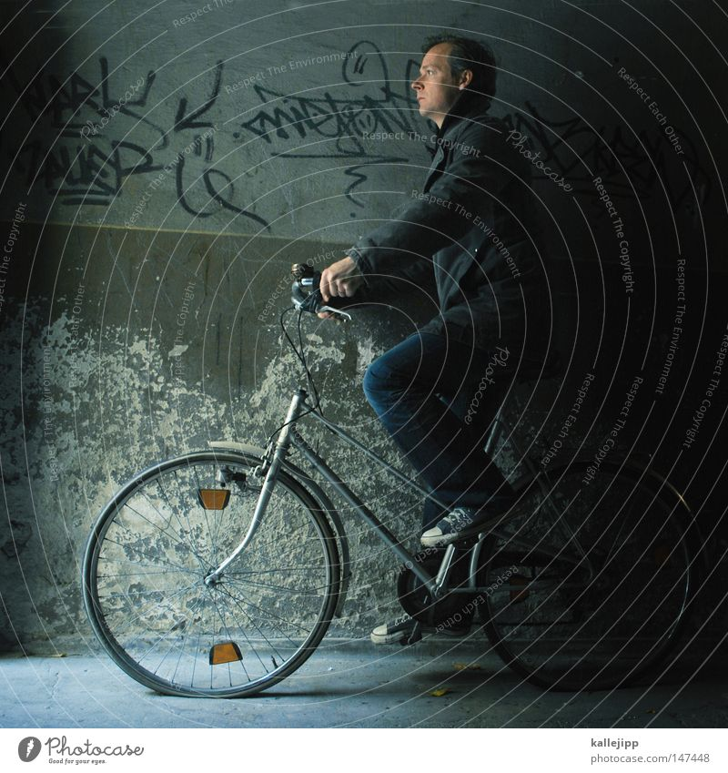 die pannenshow Mensch Ferien & Urlaub & Reisen Mann Mauer Kunst Zufriedenheit Fahrrad verrückt Arme laufen Geschwindigkeit fantastisch Armut Fahrradfahren kaputt rund