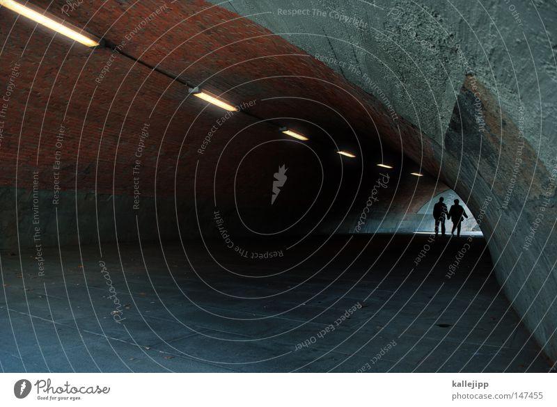 50+ Mensch Frau Mann alt Einsamkeit Leben Beleuchtung Paar Verkehr Zukunft Brücke Mutter Partnerschaft Röhren Tunnel Ruhestand