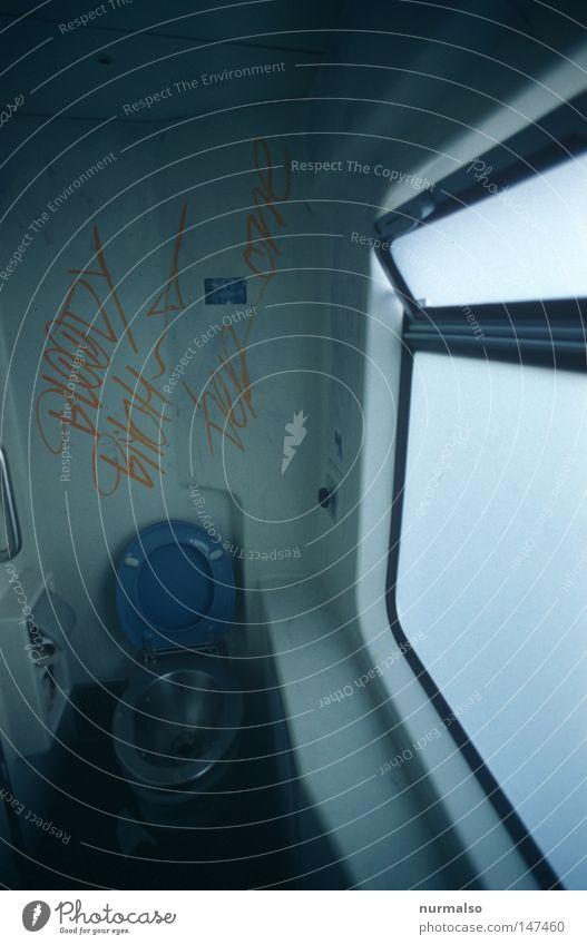 Nimm Platz . . . Eisenbahn Ferien & Urlaub & Reisen Toilette dreckig Gemälde Graffiti Aufschrift Kunst ruhig Stillleben urinieren Toilettenpapier Ekel hässlich