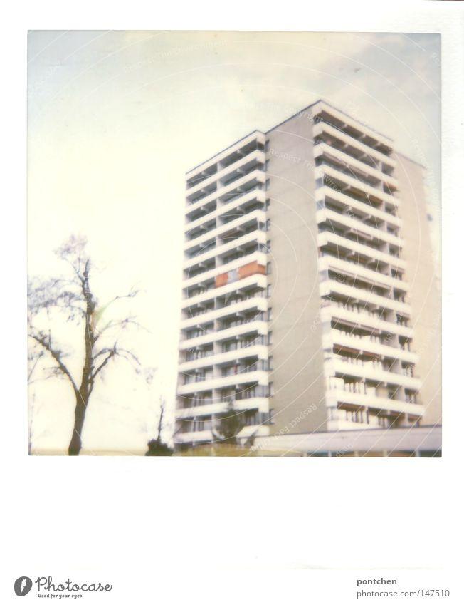 Coburgs schönstes Hochhaus Himmel Baum Winter Haus Leben Fenster Gebäude hell Wohnung Frieden Polaroid Häusliches Leben Bayern sanft anonym