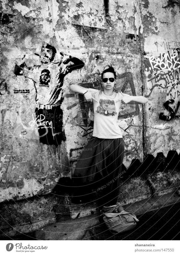 el ché Kunst Stadt Straße Graffiti Gesellschaft (Soziologie) Berlin Kuba Straßenkunst Wandmalereien Eastside Gallery Che Guevara banksy Schwarzweißfoto