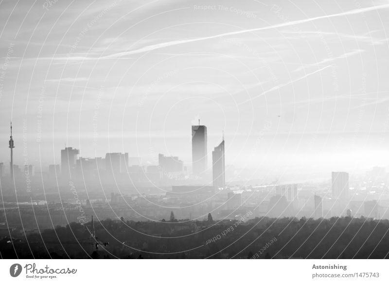 Wien im Dunst Umwelt Natur Landschaft Pflanze Luft Himmel Horizont Herbst Wetter Nebel Baum Wald Hügel Österreich Stadt Hauptstadt Skyline Haus Hochhaus Turm