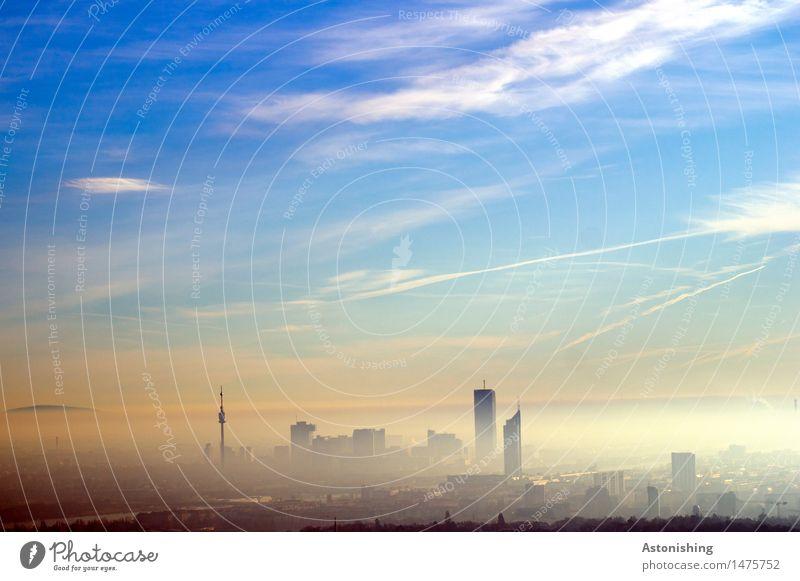 Morgennebel über Wien Himmel Natur Stadt Pflanze blau Baum Landschaft Wolken Haus gelb Architektur Herbst Gebäude Horizont Wetter Nebel