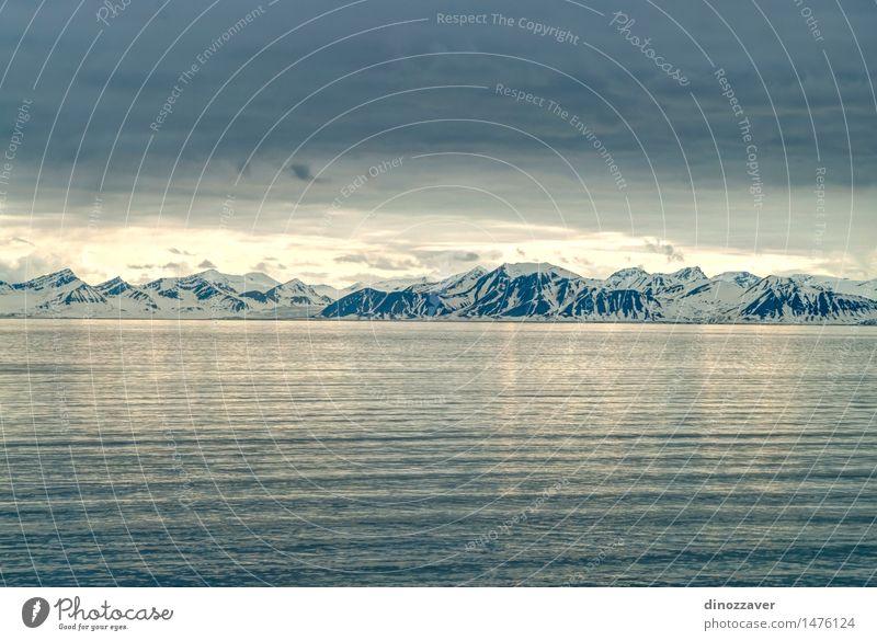Arktische Berge schön Ferien & Urlaub & Reisen Meer Winter Schnee Berge u. Gebirge Umwelt Natur Landschaft Horizont Klima Wetter Gletscher Küste Fjord blau weiß