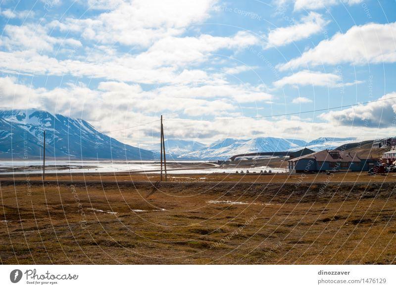 Häuser in Longyearbyen Natur Ferien & Urlaub & Reisen Stadt Sommer Landschaft Haus Berge u. Gebirge Architektur Küste Gebäude Holz hell Tourismus Klima Europa