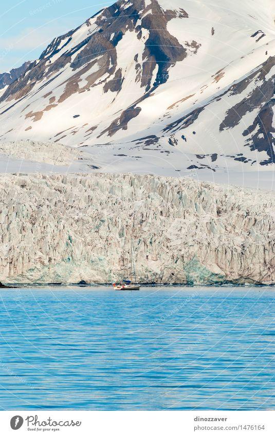 Gletscher und Segelboot Ferien & Urlaub & Reisen Meer Winter Schnee Berge u. Gebirge Umwelt Natur Landschaft Klima Küste Wasserfahrzeug frieren blau weiß Eis