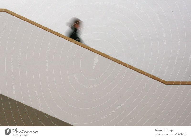 In Eile Gedeckte Farben Innenaufnahme Unschärfe Bewegungsunschärfe lernen Mensch Frau Erwachsene Leben Kopf 1 Bibliothek Gebäude Architektur Treppe rennen gehen