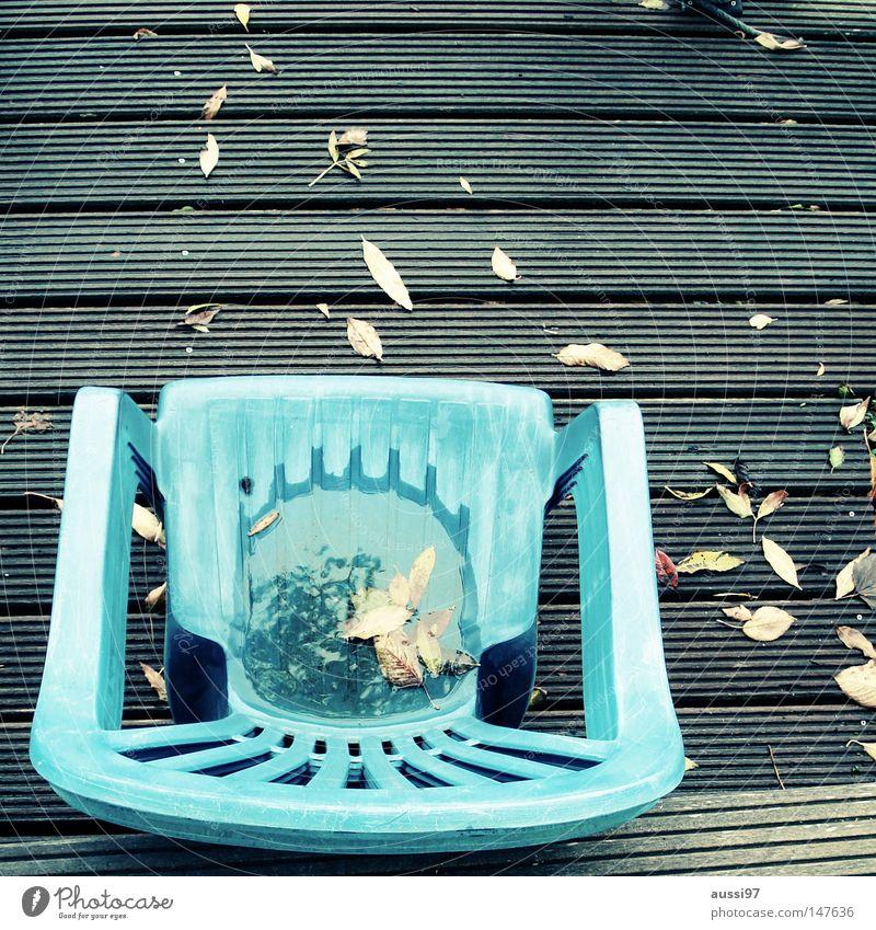 Draußen nur Kännchen! Blatt Herbst Pause Gastronomie Holzbrett Café Stapel Holzfußboden Straßencafé