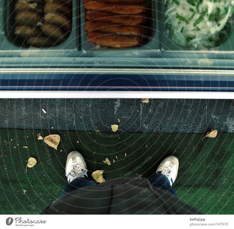 auf die hand bitte Mann Mensch Perspektive Beine Ego Blick entdecken Aussicht Kebab Wohnung Kiosk Buden u. Stände Mittagessen Mittagspause stehen Niveau Imbiss