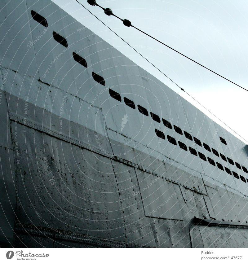 abtauchen Meer Fenster grau See Linie Wasserfahrzeug Metall Seil gefährlich Technik & Technologie Frieden Stahl Schifffahrt Geometrie Eisen