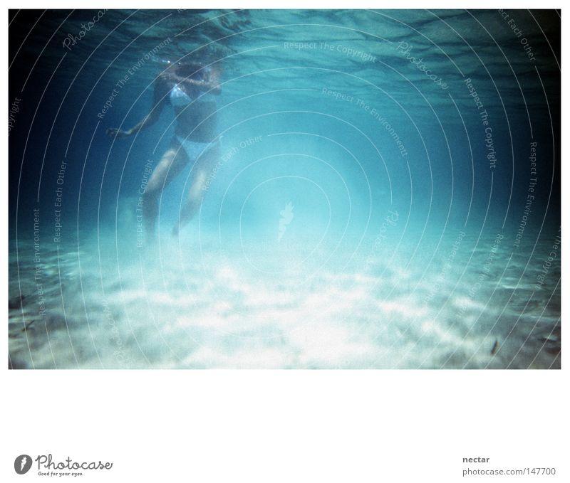 appear to someone in a dream of dance Frau Ferien & Urlaub & Reisen blau Sommer Wasser weiß Sonne Meer Landschaft ruhig Reisefotografie Küste Spielen grau Schwimmen & Baden hell