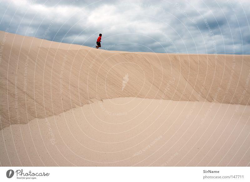 14 [der Raum, die Zeit] Himmel blau Freude Wolken Strand Ferne Leben Küste Freiheit Sand braun Freizeit & Hobby laufen frei Vergänglichkeit genießen