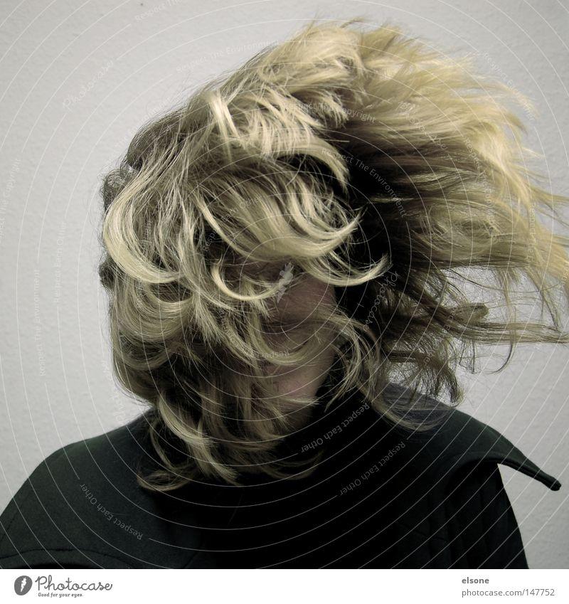 ::HAIRLICH:: Frau Jugendliche Freude Kopf Haare & Frisuren Wind Luftverkehr Sturm Lebensfreude Porträt