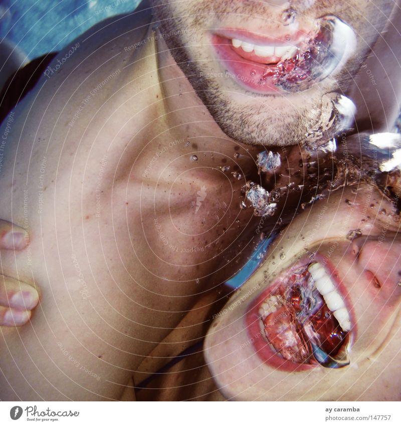 unter Wasser sollte man nicht kitzeln... Unterwasseraufnahme Frau Mann Jugendliche blau Freude Glück lachen Angst Schwimmbad Schwimmen & Baden schreien