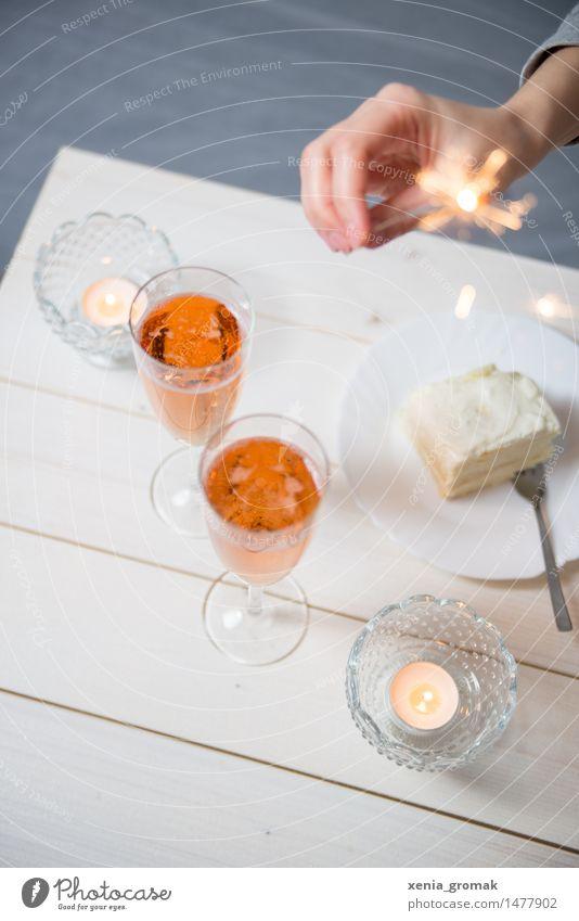 Sekt Freude Essen Spielen Lifestyle Feste & Feiern Party Zusammensein Freizeit & Hobby Dekoration & Verzierung Geburtstag Hochzeit trinken Kerze
