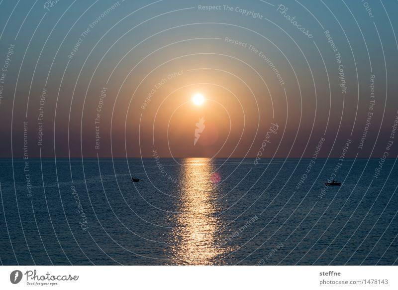 morgens II Natur Wasser Wolkenloser Himmel Sonne Sonnenaufgang Sonnenuntergang Sonnenlicht Schönes Wetter Meer Mittelmeer Adria bari Apulien Italien Kitsch