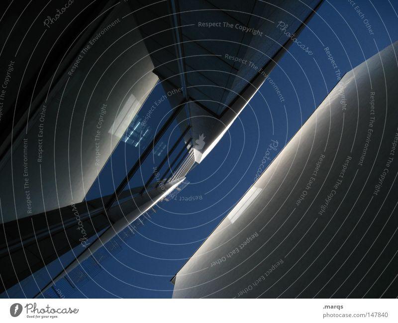 / Farbfoto Textfreiraum unten Lichterscheinung Blick nach oben Häusliches Leben Haus Dienstleistungsgewerbe Geldinstitut Unternehmen Karriere Himmel Hochhaus