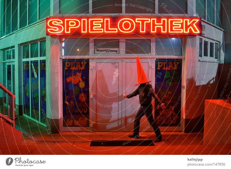 hütchenspieler Spielhalle Leuchtreklame Leuchtbuchstabe Wort Mann Erwachsene Außenaufnahme Rotlicht Irritation Spielsucht orientierungslos blind kopflos anonym