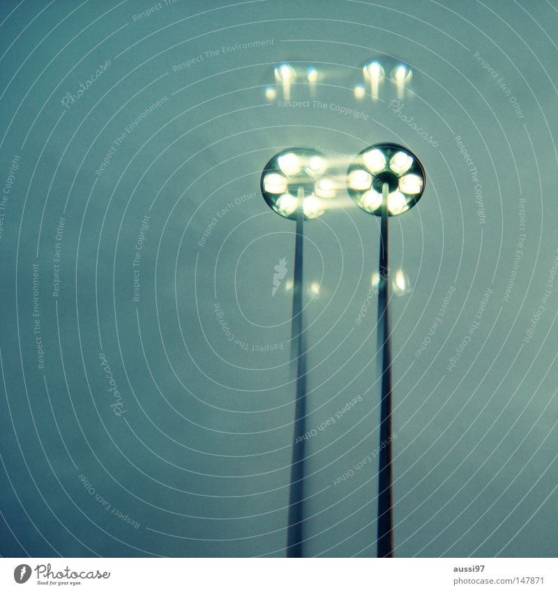 Klonvorgang 2 Prisma Himmel Laterne Straßenbeleuchtung Licht Lampe Glühbirne obskur Doppelbelichtung Unschärfe Alkoholeinfluss Drogeneinfluss Surrealismus