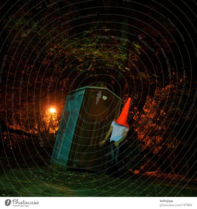 blasenschwäche Mann Mensch Dach Stuhlgang urinieren besetzen Miettoilette Baustelle klein groß Humor Kunst Silhouette Pilzhut Kopfbedeckung rot Hut Spielen