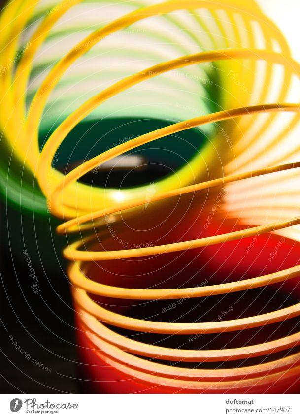 in die Röhre gucken Spirale gedreht durcheinander gekrümmt rot grün gelb Wellen Kreis Durchblick spektral Regenbogen Fächer Spielzeug Dekoration & Verzierung