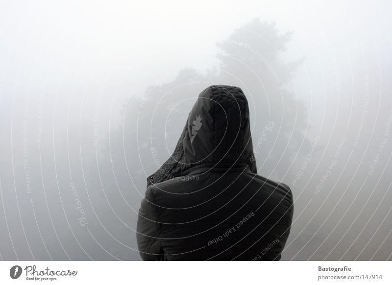 aussichtslos Natur Himmel Baum Winter Ferne dunkel Herbst Gefühle träumen Denken Stimmung Nebel Wetter Rücken Trauer trist