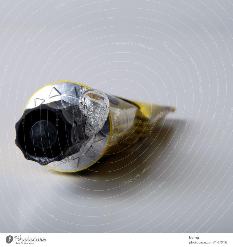 Alleskleber Klebstoff Tube auslaufen Basteln kleben Reparatur Scherbe geschlossen Luftblase Blase Kaugummiblase verbinden Freizeit & Hobby Modellbau