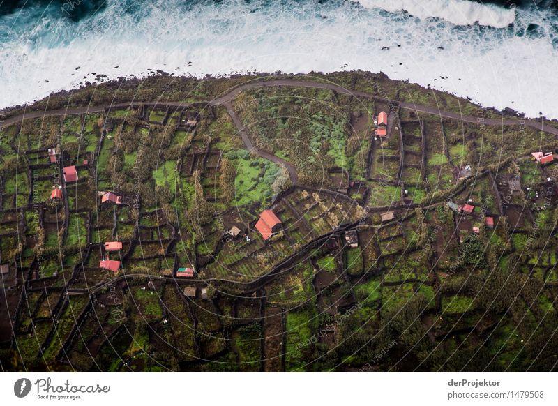 Kleines Dorf am Meer Ferien & Urlaub & Reisen Tourismus Ausflug Abenteuer Ferne Freiheit Sightseeing Berge u. Gebirge wandern Umwelt Natur Landschaft Pflanze