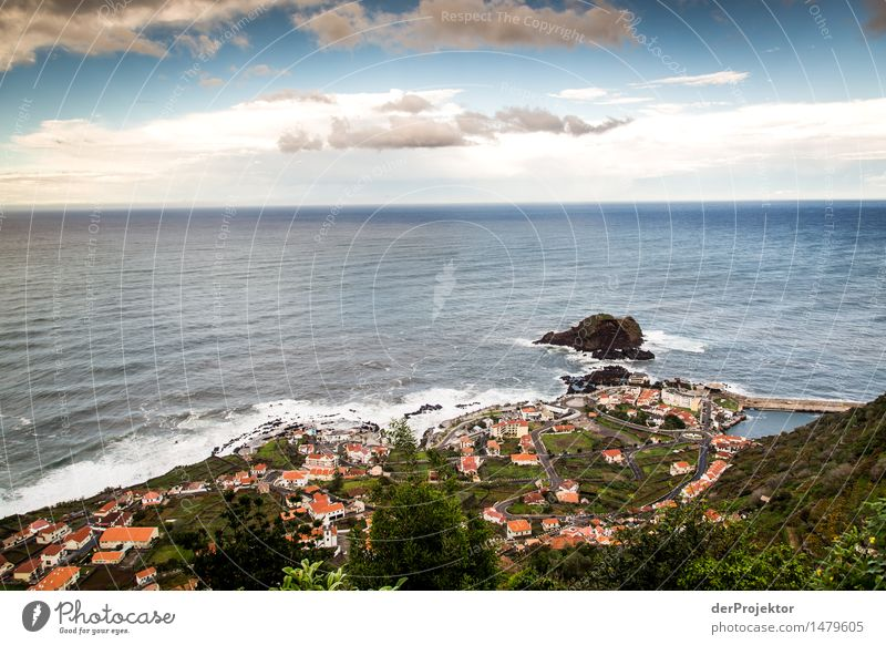 Porto Moniz mit Panorama Ferien & Urlaub & Reisen Tourismus Ausflug Abenteuer Ferne Freiheit Sightseeing Städtereise wandern Umwelt Natur Landschaft Pflanze