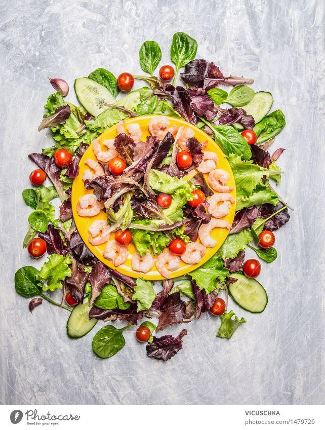 Frischer Salat mit Garnelen Lebensmittel Meeresfrüchte Gemüse Salatbeilage Kräuter & Gewürze Ernährung Mittagessen Abendessen Festessen Bioprodukte